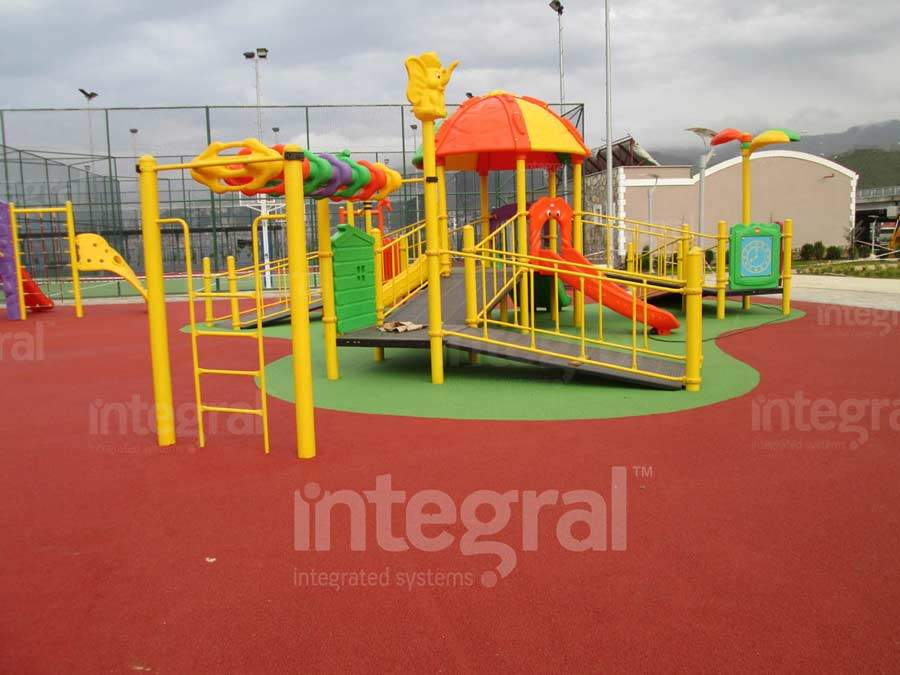 How should the floors of playgrounds be