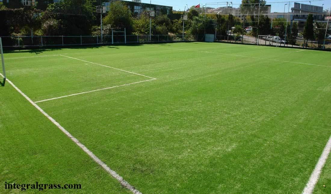 How Should a Goalkeeper Be
